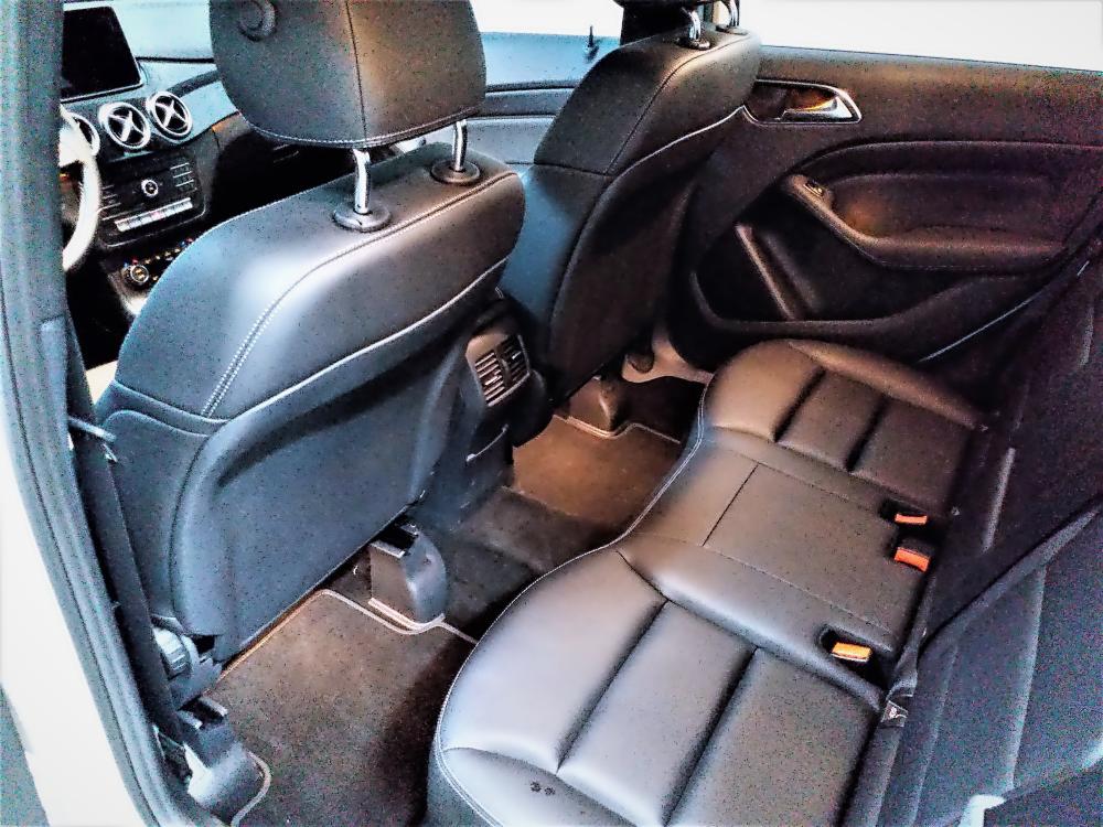 6-backseat_details.png