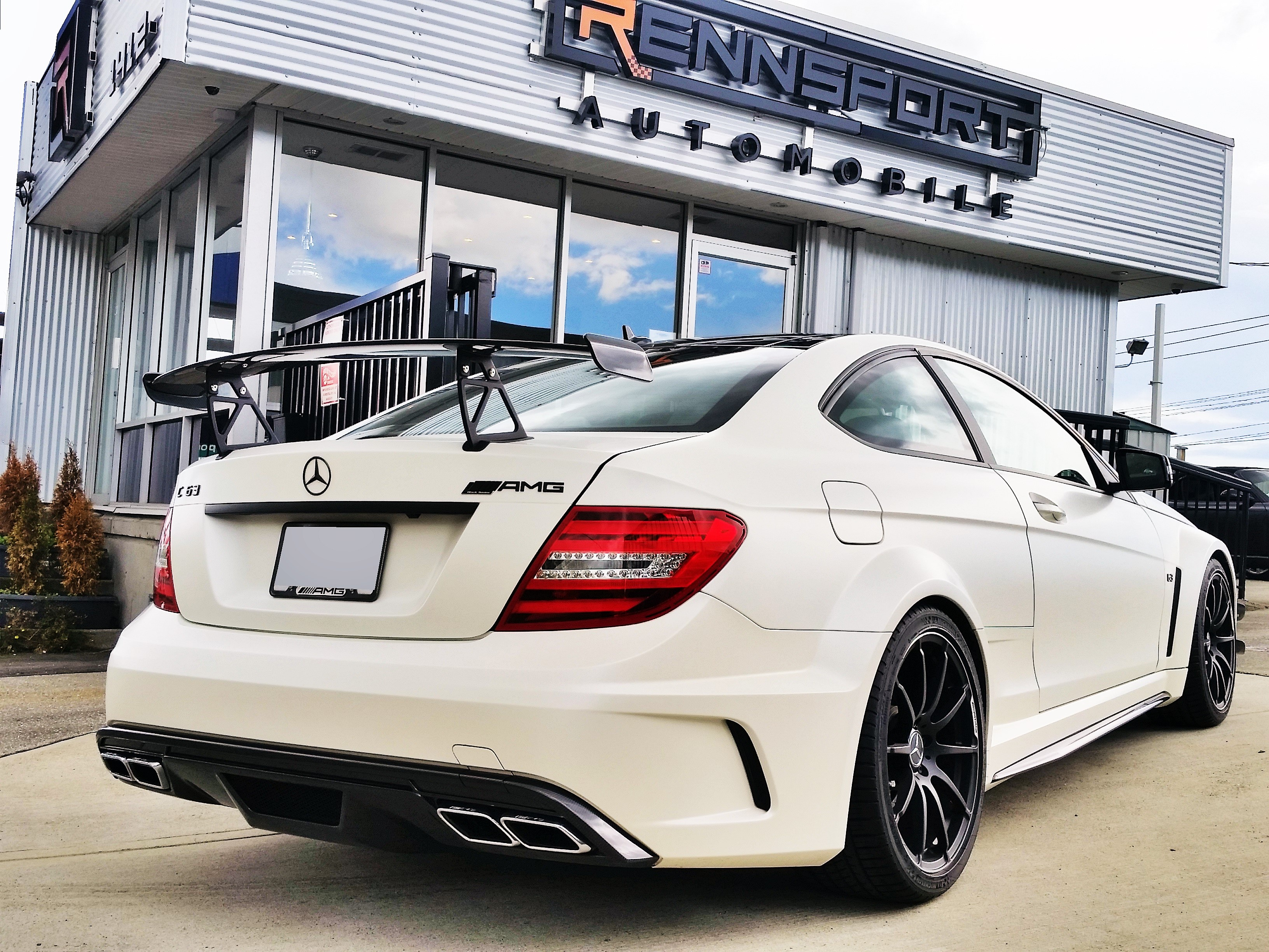 2013 mbenz c63 amg black series rennsport automobile. Black Bedroom Furniture Sets. Home Design Ideas