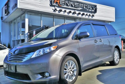 2011 Toyota Sienna Limited AWD (Custom)