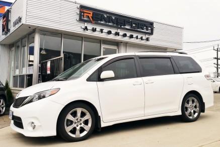 2012_Toyota_Sienna_SE (Custom)